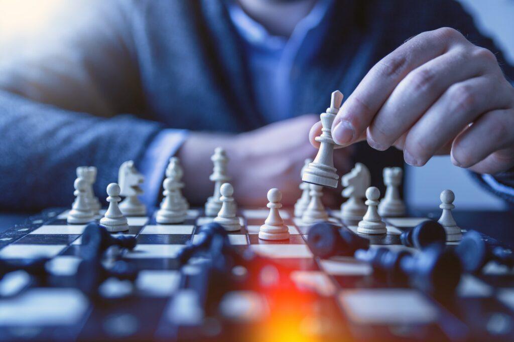 Взяти кредит із заборгованістю схоже на гру в шахи